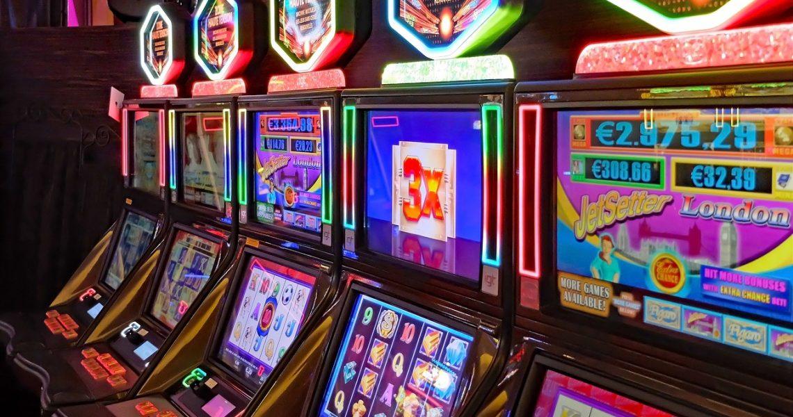 Giocatori d'azzardo patologici e tossicomani da eroina a confronto con il MCMI-III